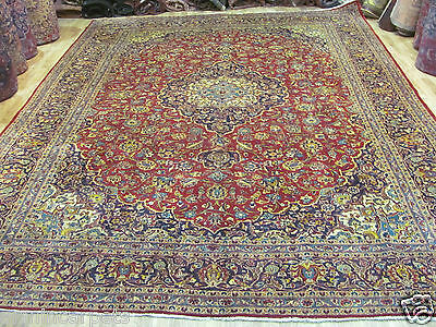 A FASCINATING OLD HANDMADE KASHAEN ORIENTAL XL CARPET (405 x 300 cm)