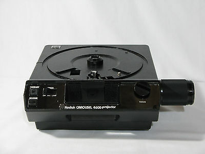 Kodak Carousel 4600 Slide Projector with case, wired remote, manual