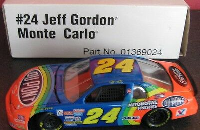 Jeff Gordon #24 DuPont with Coca Cola 1995 Revell 1/24 Scale NASCAR Diecast