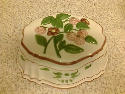 vintage decorative ceramic/pottery wall hanging jelly mould FRUITS DESIGN
