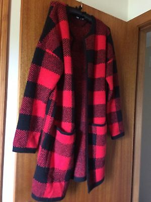 Cosy SPORTSGIRL red and black blanket coat S.
