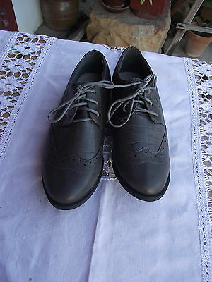 Chaussure Homme / Grise / Pointure 41