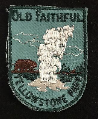 OLD FAITHFUL YELLOWSTONE PARK Vtg Patch WYOMING State Souvenir Travel VOYAGER