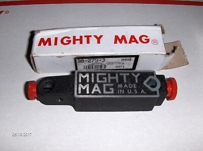 Mighty Mag, two magnets.
