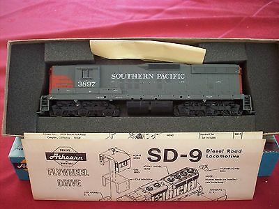 ATHEARN SD9 Southern Pacific HO