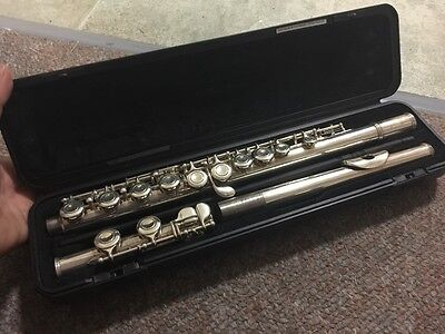 yamaha flute - great condition
