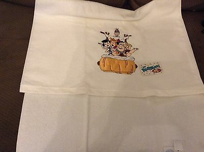 New FLINTSTONES (HANNA BARBERA) Bath towel - Fred, Wilma, Pebbles & Dino