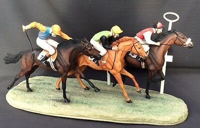 Rare Border Fine Arts - Racehorses - Going For The Post