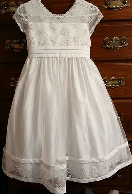 Girls size 10/12 white formal dress flower girl wedding first communion lace ful