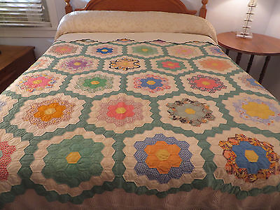 Vtg ANTIQUE Flower Garden Quilt Fabulus Feedsacks Print 114 X 82 Hand Stitched