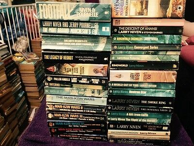 Larry Niven x 33 Books Titles in Listing