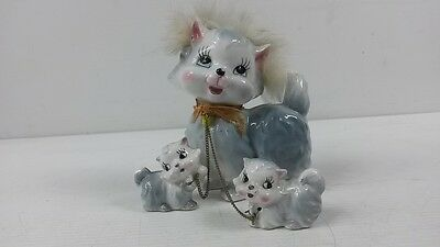 Retro/Vintage/Kitsch ceramic fluffy cat & kittens on chain figurines Japan