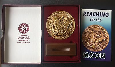 2000 Calendar Medal Reaching For The Moon - Hoffman Mint By  Rocco
