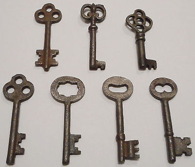 Antique Vintage REPRODUCTION Old Skeleton Keys SteamPunk Jewelry {Lot of 7} ><>