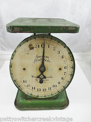 Antique Vintage AMERICAN FAMILY SCALE 25 Pound Pressed Steel Green Iron Dial