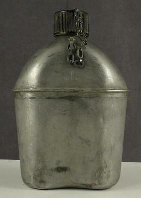 Vintage US Military WWII 1944 GP & FCO Metal Canteen Black Screw On Lid