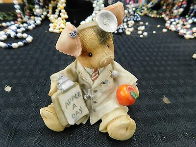 Figurine This Little Piggy TLP An Apple a Day Keeps the Doctor Away 1995 #167657