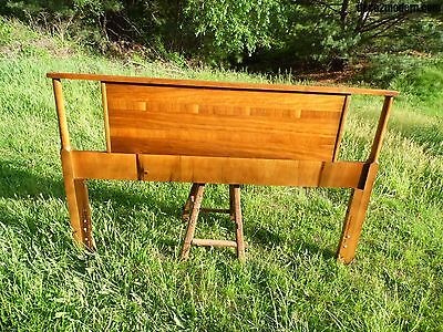 Vintage Mid Century Modern Walnut Full Double Headboard Bed American Modernist