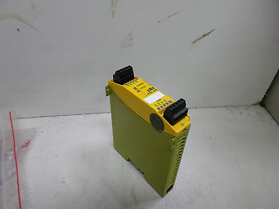 Pilz Safety Relay -- 8 Output Expansion Module - Pnoz Mo1P -- 773500