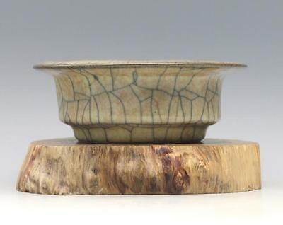 chinese ancient Yellow glaze porcelain sculpture Gold wire flat Water washing