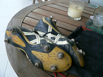 Assics football boots size US 10.5 worn three games suit new buyer