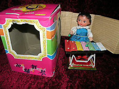 LITTLE PERFORMER china 1970's FIGURE PLAYS XYLOPHONE WINDUP new MS085  Blue