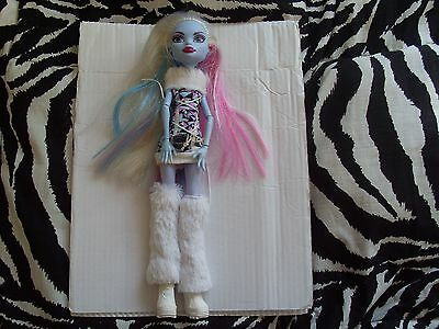 Bambola Monster High Abbey Bominable serie 1