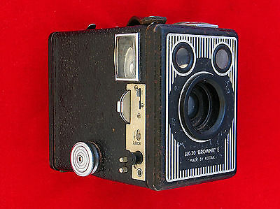 KODAK SIX-20 BROWNIE mod. E con borsa bauletto