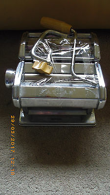 Deluxe Atlas Pasta Queen Noodle-Making Machine By Marcato Model 150mm