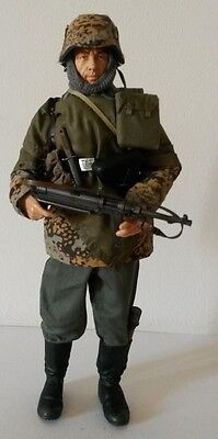 Action figure 1/6 - CUSTOM German Waffen soldier with MP40