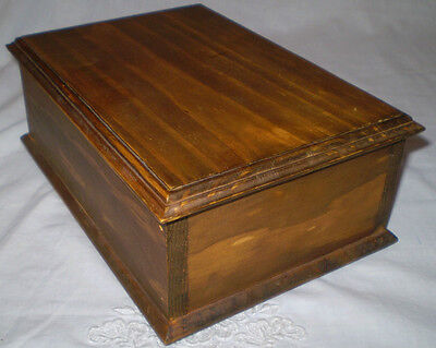 Lovely Old Vintage Lidded Box, Perfect For Chess Pieces, Letters, Treasures Etc