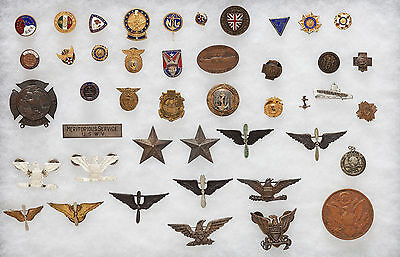 USA WWI WWII Lot divers insignes militaires