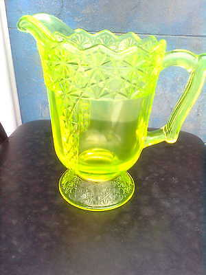 Citron/vaseline uranium large glass jug !