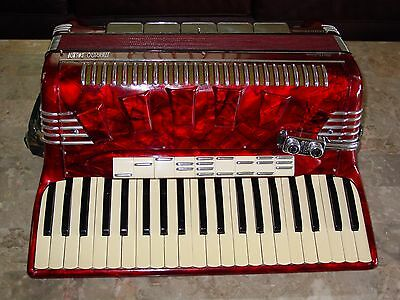 "Pigini Multizone 4/5 reed Italian 19"" vintage accordion"