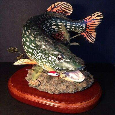 Danbury Mint Great Northern Pike Sculpture By George Kruth
