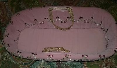 TADPOLES Moses Baby Basket Pink Embroderied Ribbon Flowers