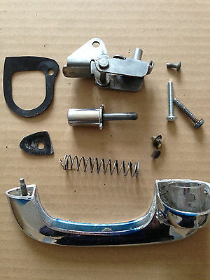 Mustang OUTSIDE DOOR HANDLE AND BUTTON SET RH  - Ford Mustang 1965 66 69 70