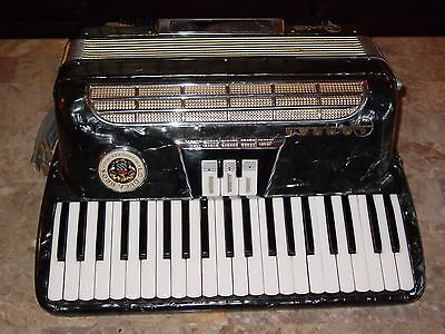 Lo Duca Bros. Milwaukee vintage accordion