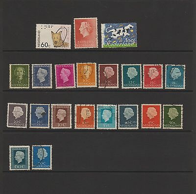 Netherlands - 21 used stamps  ( Lot 38 )