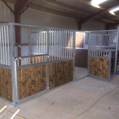12ft Deluxe Stable Front, Internal Stabling.