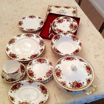 Royal Albert Old County Roses Dinner Service & Cake Stand