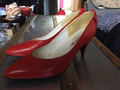 Genuine Vintage Red Leather Court Shoes Size 5.5 SAXONE