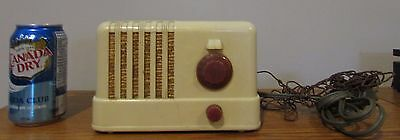 Vintage Antique Canadian General Electric Tube Radio C400 ? Off White Beige
