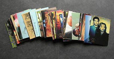 The X files Topps Season 1 complete base set - 72 cards  ****