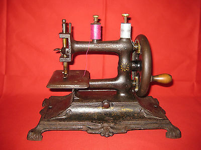 Small Antique 1900s Cast Iron Sewing Machine