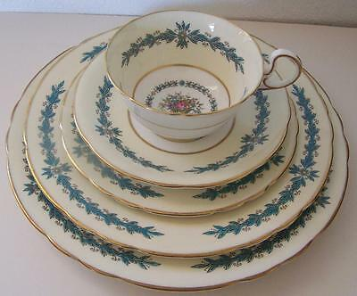 Aynsley Cambridge Scalloped 5 Pc Place Setting Cup Saucer Bread Salad Luncheon