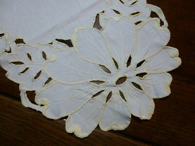 Vintage Linen Table Runner Cutwork Hand Embroidered Flower Beige Yellow 37 x 12.