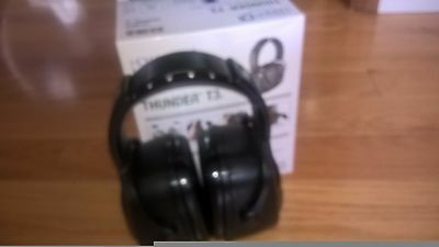 hearing protection safety ear muffs,Howard Leight by honeywell.Thunder T3. 30 dB