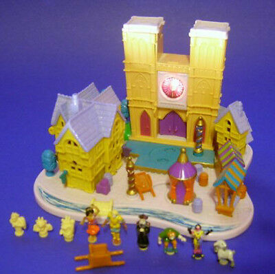 Polly Pocket Mini Disney ♥ The Hunchback of Notre Dame ♥ complete ♥ 1995 ♥ LICHT
