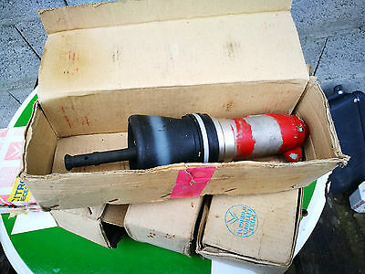 N.O.S cylindre de suspension CITROEN DS ID  REF DVF43402A